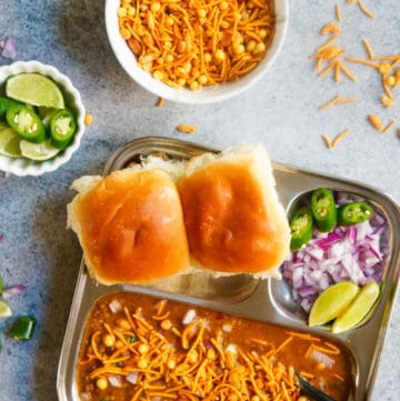 Instant Pot Misal Pav / Sprouts Curry (Pressure Cooker)